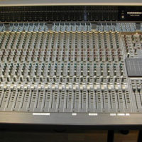 Console mixage BEHRINGER Eurodesk MX8000 48-24-8-2